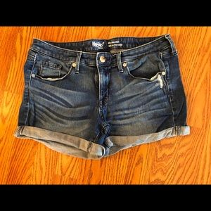 Mossimo mid rise denim jean shorts size 6